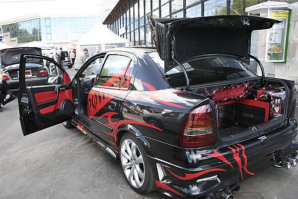 Opel Astra Dark Power