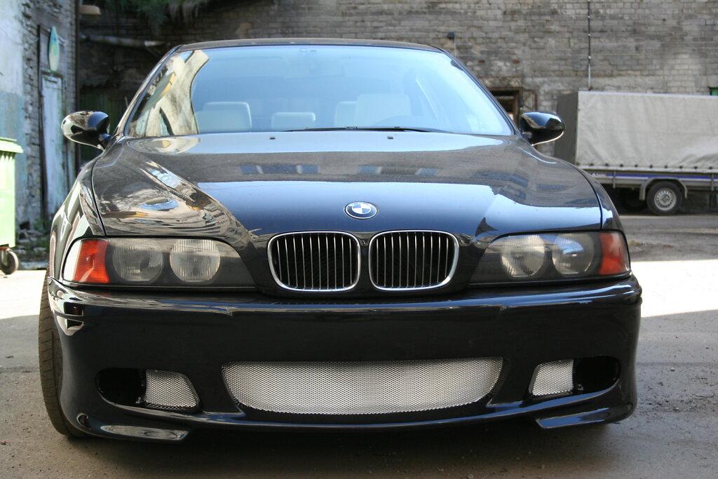 BMW E39 audio install